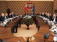 Claims Conference Meets Polish Prime Minister, Pressing for Restitution Law