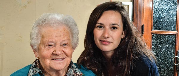 Claims Conference staff member Batel Blechter met with Clara Goldberger, 91, in her home in Uruguay. Photo: Natan Vareika
