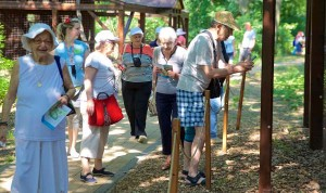 Taking advantage of beautiful weather, survivors at the Szarvas program took a guided outdoor walk.