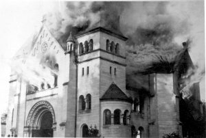 Kristallnacht synagogue burning