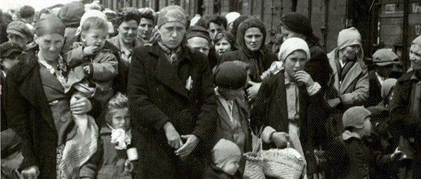 Auschwitz Romanian Holocaust victims