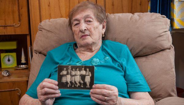 Holocaust-survivor-Romania-Landecker